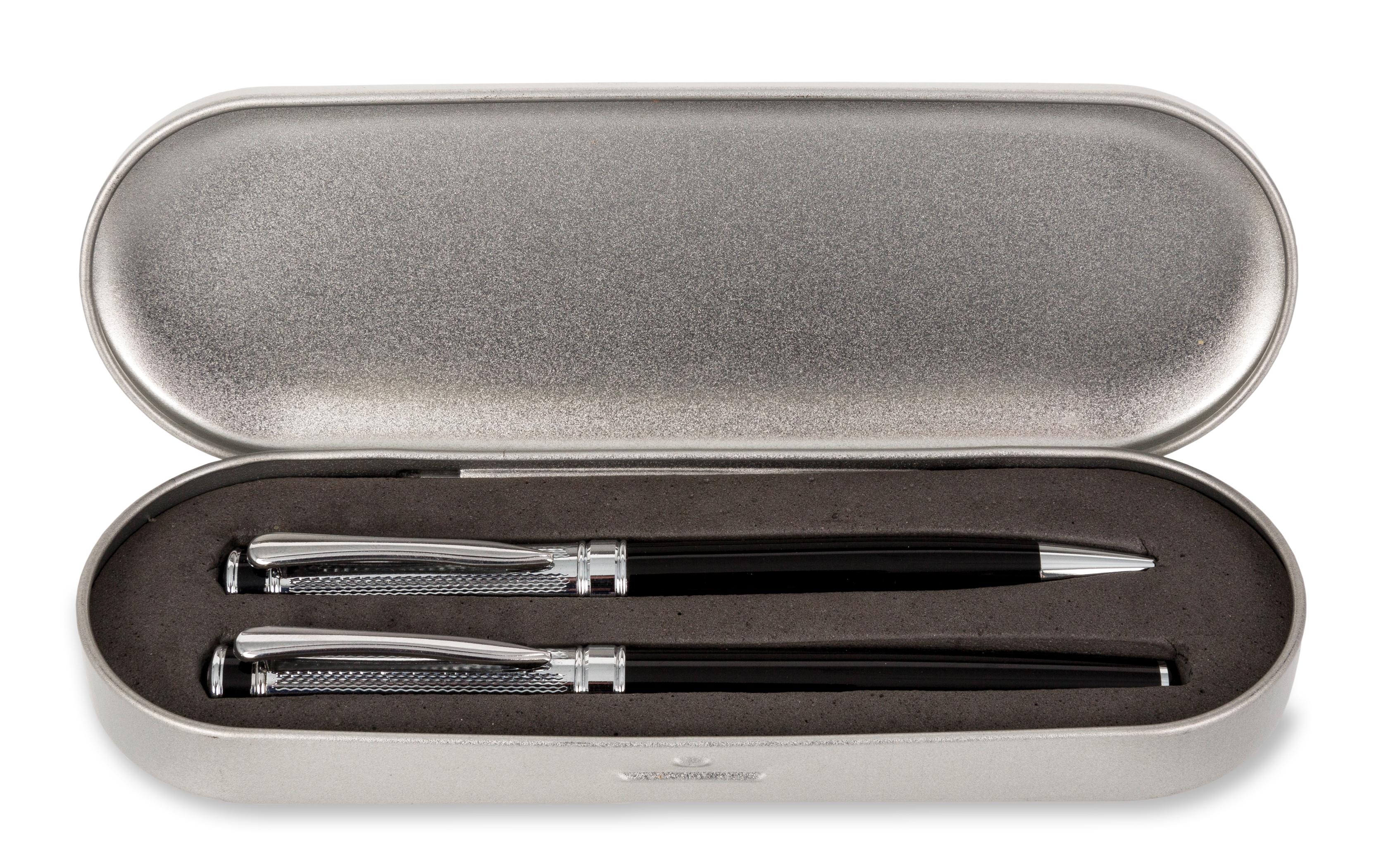 En cadeau, cette parure de stylo et son coffret chromé